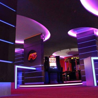 Forbes casino výroba nábytku